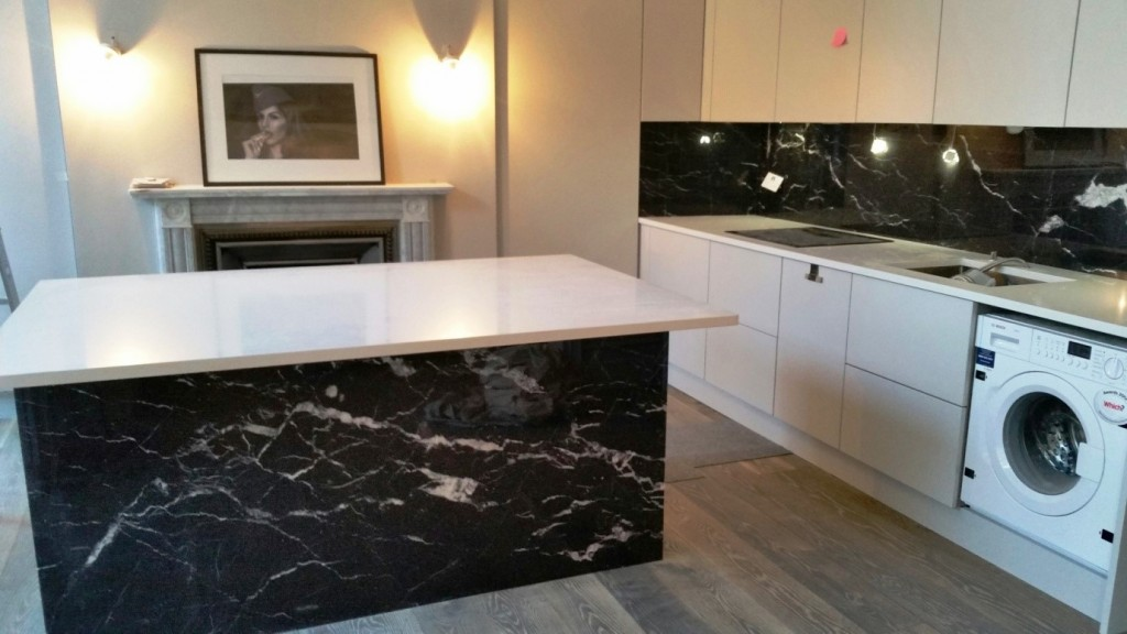 Bianco Carrara marble and Negro Marquina marble
