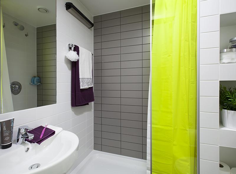 373_city-bathroom-2